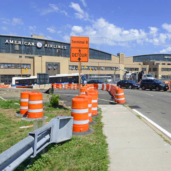 Traffic delays and construction at Laguardia airport in NY